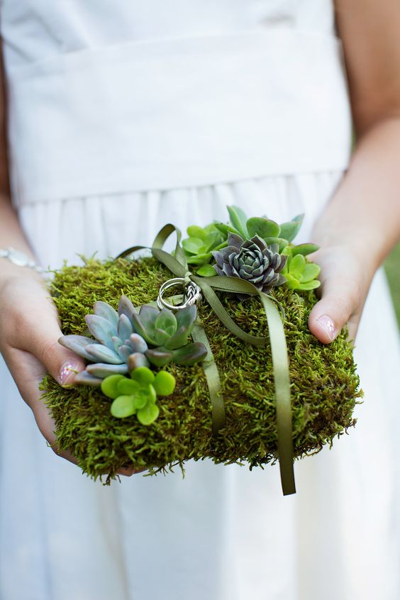 moss and succulent ring pillow is a fresh take on a tradtional one