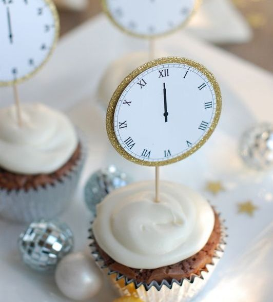 glitter clocks for cake and cupcake toppers