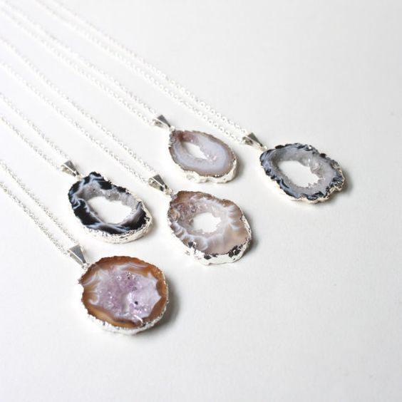 agate slice necklaces for bridesmaids and maybe the bride herself