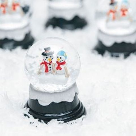 mini winter snowglobes with snowmans