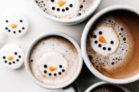38 hot chocolate with snowman marshmallows to add a winter touch
