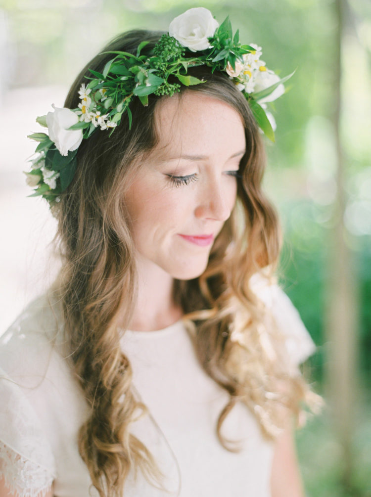The bride wore a beautiful green and white flower crown to stick to the color scheme