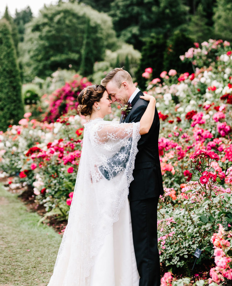 This blooming garden became a perfect place for a romantic wedding