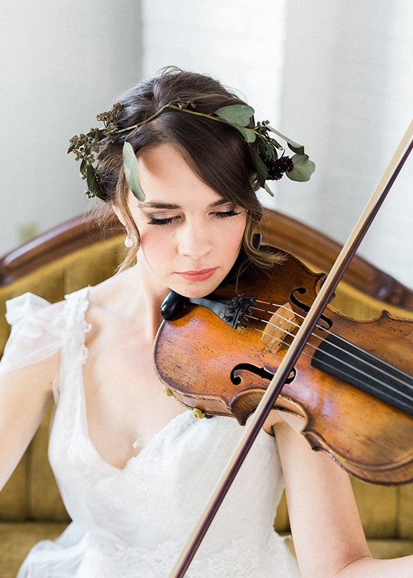 The bride brought her own 100-year-old violin for the shoot