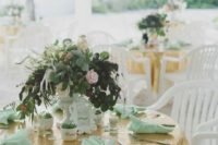10 gold sequin tablecloth and mint napkins