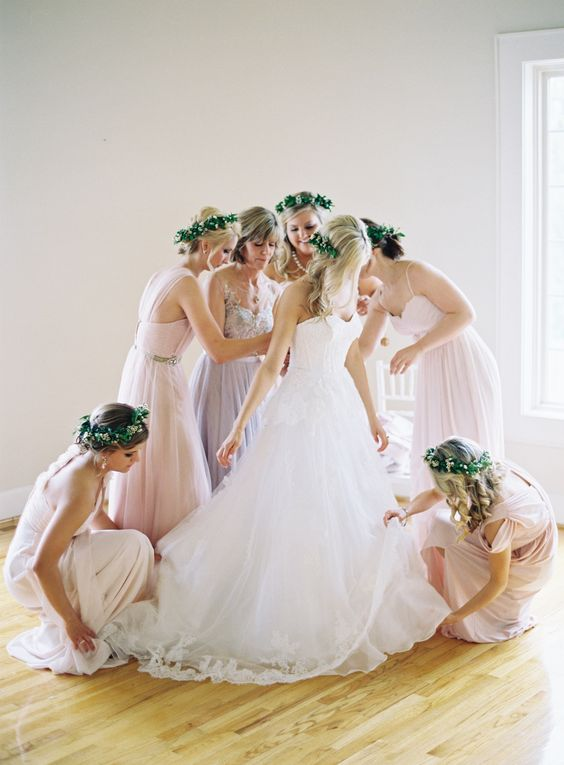 getting ready photo with bridesmaids is a must have