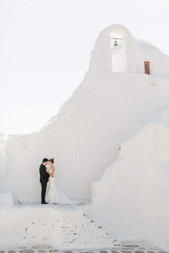 dreamy Mykonos wedding setting