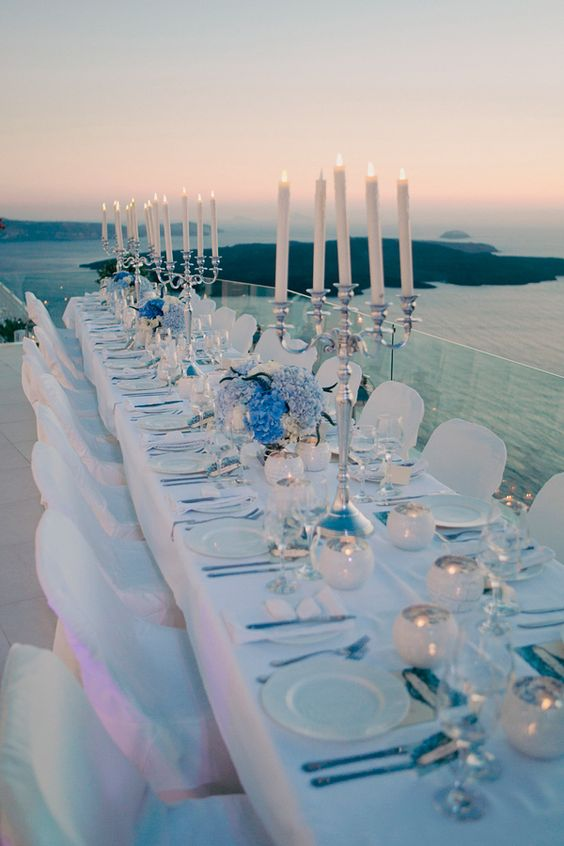 accentuate natural colors of Greek islands with your wedding table decor