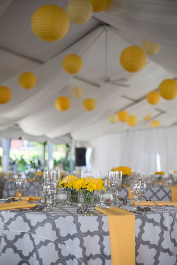 Delicieux Picture Of Patterned Grey And White Tablecloths, Yellow Table Runners And  Flowers