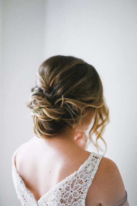 41 Trendy And Chic Messy Wedding Hairstyles Weddingomania