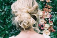21 romantic tousled updo looks cool on hair with lowlights