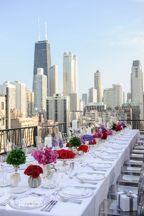 modern bold wedding decor on a Chicago rooftop