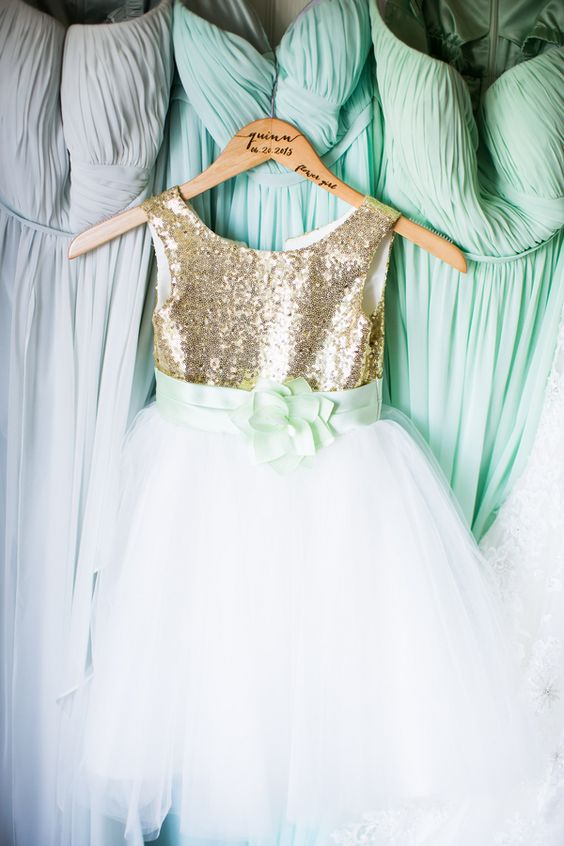 31 Fresh And Glam Mint And Gold Wedding Ideas