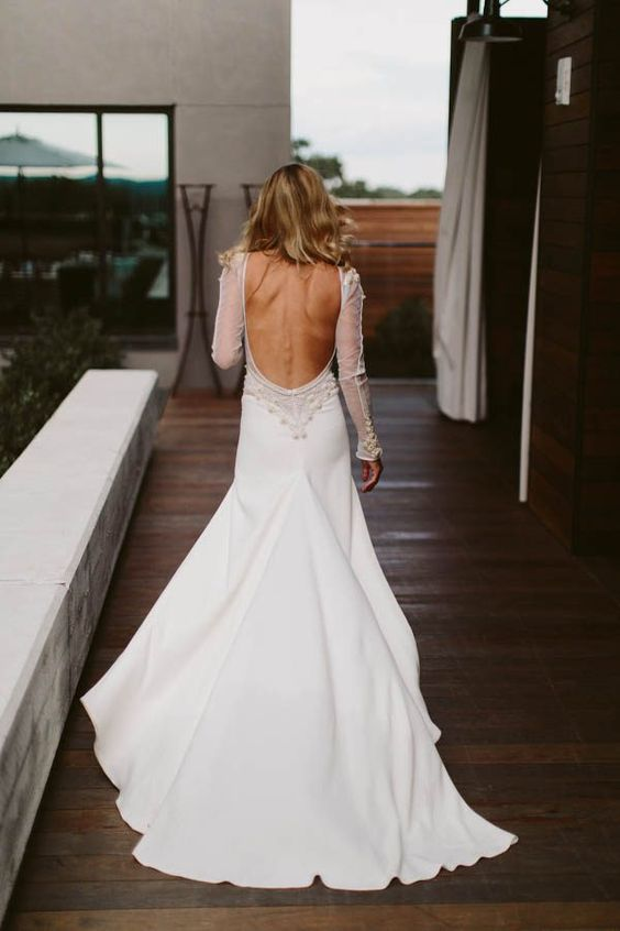 dramatic sleeve backless dress with a short train