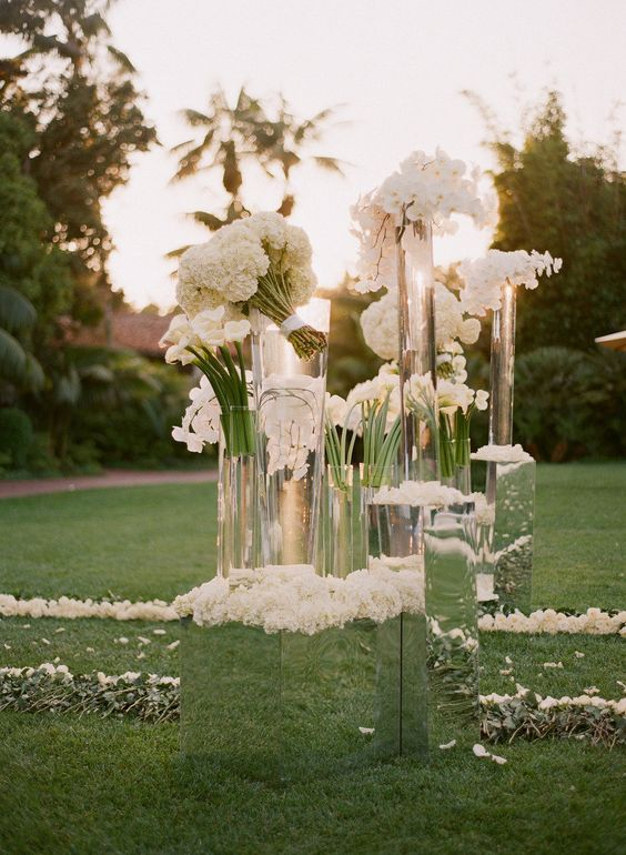 mirror flower stands for outdoor wedding decor