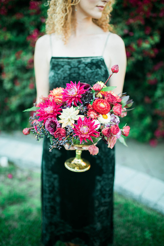 The centerpiece is a bold floral one, the blooms are inspried by the fall