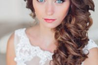 08 perfect side swept curly hair will look amazing for any wedding style