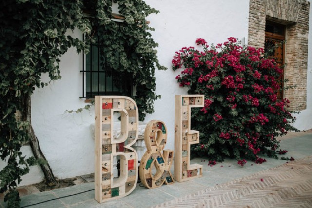 Reclaimed wood marquee monograms is an original decoration, available for everyone