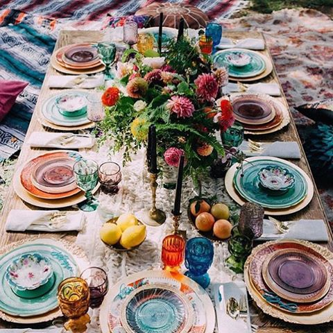 jewel toned color palette with bold flowers and black candles are great for the fall
