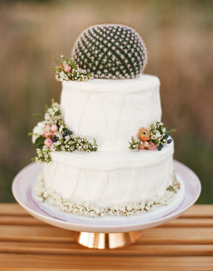 Look at this cactus cake - it's amazing and so boho chic