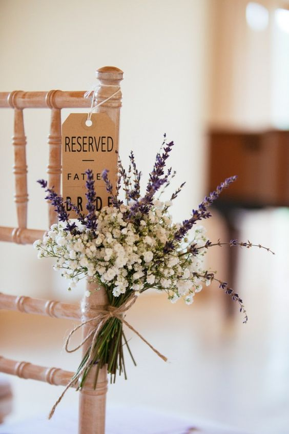 decorate your aisle seats with lavender