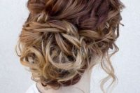 16 messy hair is a trend, and this messy updo is right what you need to look hot and effortlessly chic