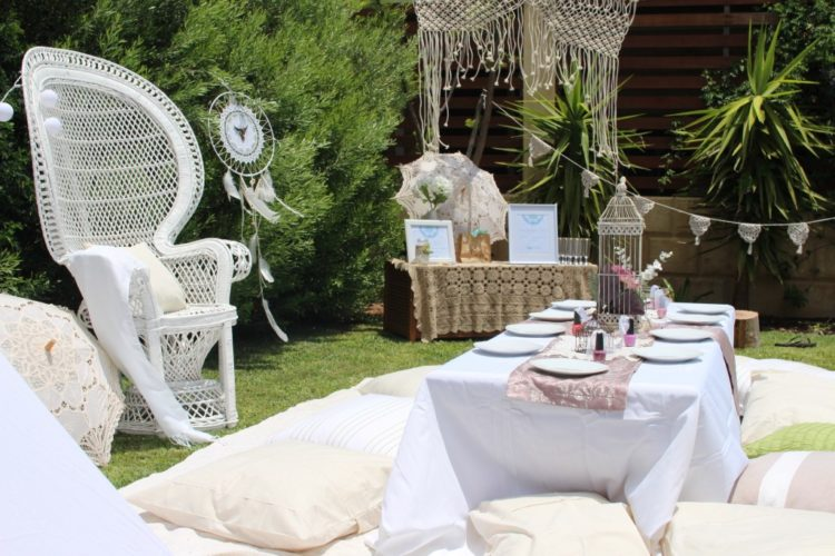 macrame and crochet details and dream catchers remind that it's a boho picnic