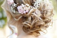 18 curled updo on medium hair and fresh flowers