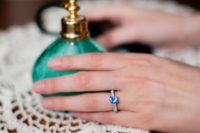18 sapphire wedding ring