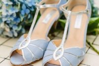 23 vintage serenity blue strap heels with silver