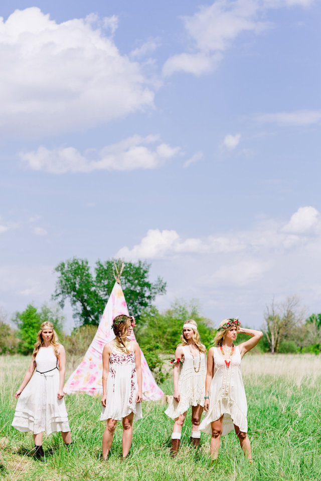 View More: http://cassandraeldridge.pass.us/bohemian-styled-shoot