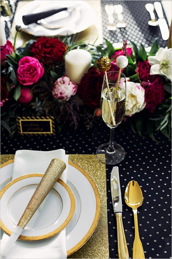 New Year wedding table with glitter touches and bold florals