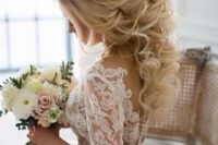 28 glam ponytail with curls