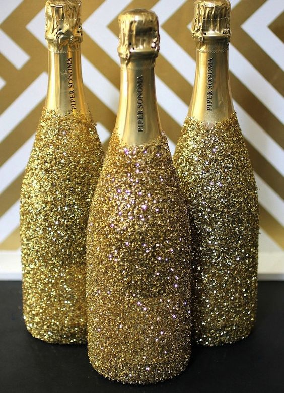 glitter champagne bottles will add a sparkle to your bridal shower