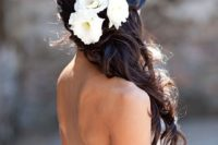 28 gorgeous, half-up hairstyle with ivory lisianthus and garden roses