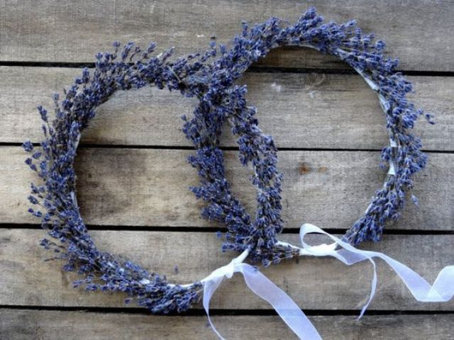 lavender crowns for the bride, bridesmaids and flower girls