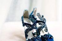 28 navy lace heels by Oscar de la Renta