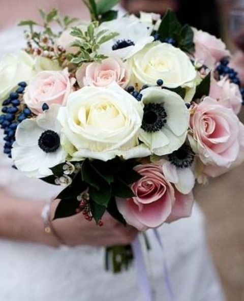 blush roses and navy berries for a cool bouquet