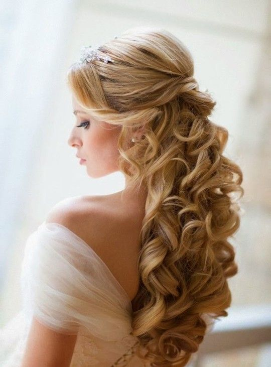 half up half down long hair with curls looks stunning