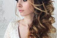 30 large curly side swept hairstyle looks gorgeous and fits any formal occasion