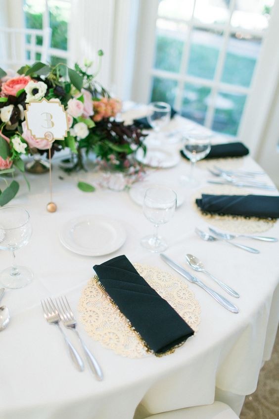 lace placemats give a cute and romantic touch to the table