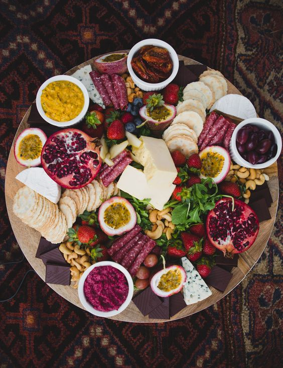 round boho plate with appetizers looks cool and homey