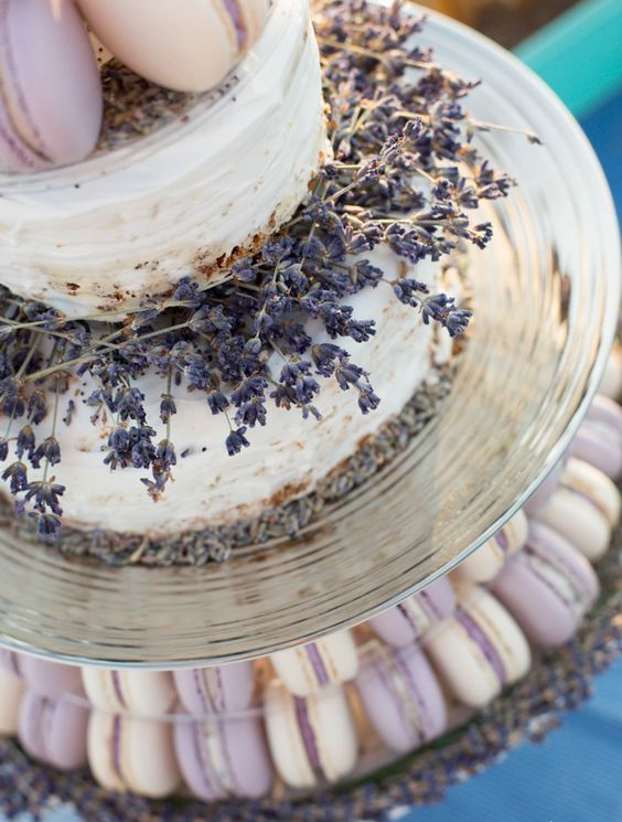 lavender wedding cake with macarons
