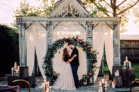 01 This stunning winter wedding shoot was done in rich hues and with rustic touches