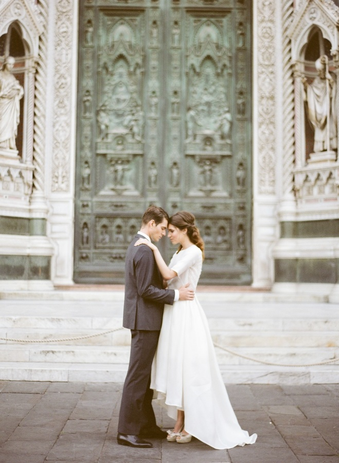 Delicate Florence Wedding Shoot In Pastel Shades