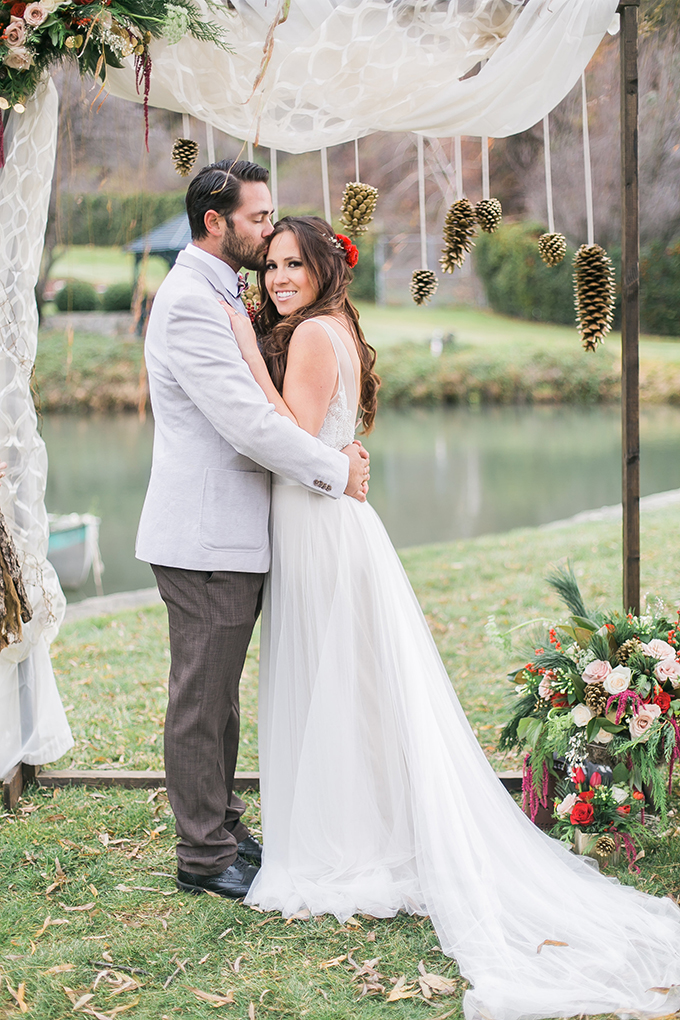 This wedding shoot was inspired by winter holidays, it's rustic, elegant and bold