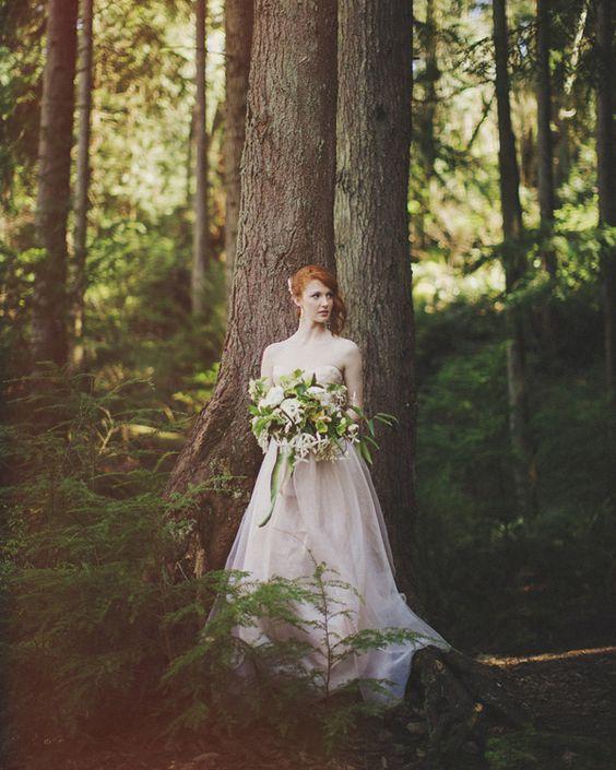 40 inspiring and fresh spring woodland wedding ideas for Woodland fairy wedding dress