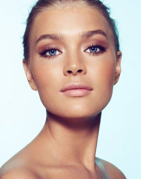 flawless skin, smokey eyes and a nude lip