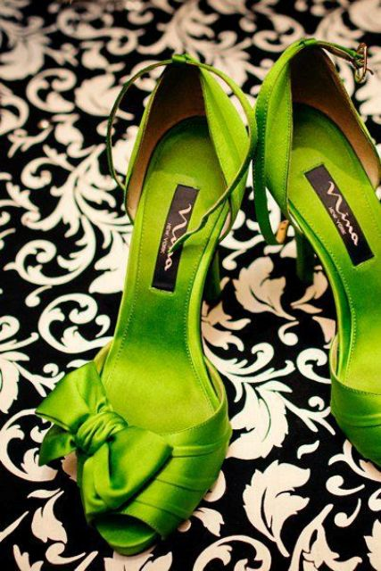 lime green wedding shoes with peep toes and bows