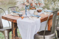 07 The table was set in the same copper and blue shades as the staionary, which reminded both of the fall and ocean